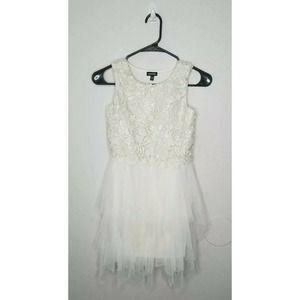Zunie Girls Ivory Sleeveless Dress Size 12